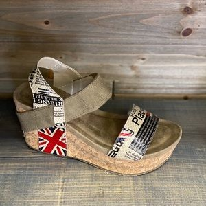 Shoes - New Sweep Wedge Sz 7.5-11